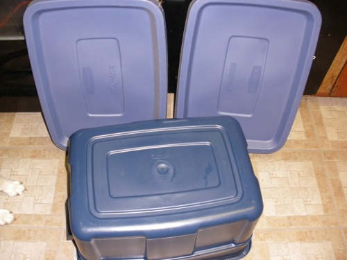 Rubbermaid tub and two lids